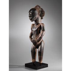 Remarquable statue d'ancêtre, Niembo de la Luika, Hemba, République Démocratique du Congo   lot   Sotheby's
