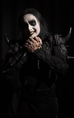 Foto Dani Filth, Cradle Of Filth, Eye Shadow, Black Metal, Hot Guys, Bands, Style, Art, Pictures