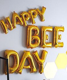 Hear the buzz but run from the sting this Queen Bee Birthday Party is full of zing Styled by Christi Witt out of Columbus OH USA this adorable first birthday bash is drizzling with details as sweet as honey Some of which include Beehive Birthday Cake Honeycomb Backdrop Happy Bee Day Balloon Banner Honey Beeinspired Cookies Wooden Honeycomb Dessert Shelves Bee Macarons And Cute Bee Themed Favors  Honeycomb Cereal Sacks Bumble Bee Birthday, Baby 1st Birthday, Boy Birthday Parties, Birthday Ideas, Balloon Birthday, Luau Birthday, Women Birthday, Birthday Photos, Happy Birthday
