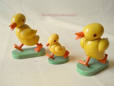Vintage German Erzgebirge folk art ducklings Wendt & Kuhn three wooden hand painted miniature Easter decoration ducks