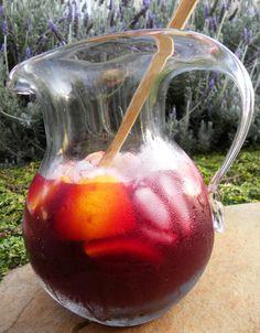 Dulcie & Cubano: Sangria - El Diablo's refreshing cocktail