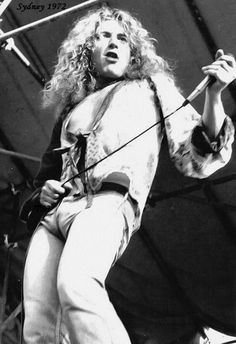 Hot Pics of Robert - Page 416 - Photos - Led Zeppelin Official Forum - Page 416