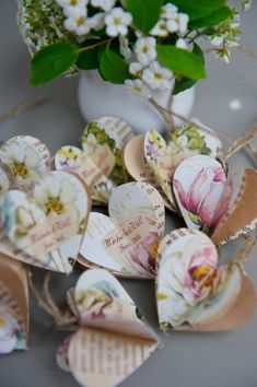 audreylovesparis:  lovely paper hearts