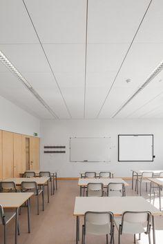 Matosinhos School, Armstrong, sufity podwieszane, sufit akustyczny, acoustic, ceiling