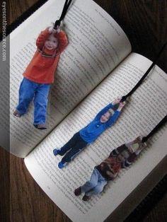 Tarjeta o separador de libros original! para el dia de la madre! toma fotos de los ninhos con los brazos levantados y juntos, luego les hac...