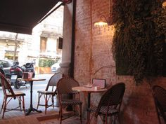 BARCELONA • Café emma: been there, cute parisian style but a bit expensive for Barcelona...