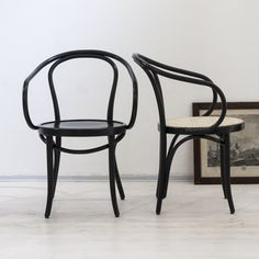 howardsoffa soffbord svenska möbler matbord Familjen Fogelmarck Swedish Design, Wishbone Chair, Dining Room, Furniture, Home Decor, Decoration Home, Room Decor, Home Furniture, Interior Design