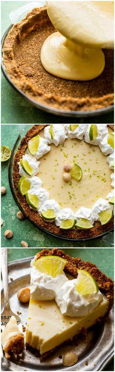 key lime pie recipe with a macadamia nut crust and easy 3 ingredient filling! Köstliche Desserts, Delicious Desserts, Dessert Recipes, Yummy Food, Pie Dessert, Eat Dessert First, Biscuits Graham, Best Key Lime Pie, Keylime Pie Recipe