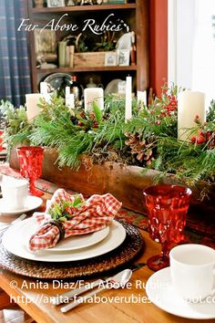 Find Christmas centerpieces that are stunning yet simple to make. 20 Christmas centerpieces ideas to make your home festive. Try DIY Christmas Centerpieces. Wood Box Decor, Diy Wood Box, Rustic Wood Box, Crate Decor, Wood Boxes, Wooden Diy, Wooden Box Centerpiece, Farmhouse Table Centerpieces, Indoor Christmas Decorations
