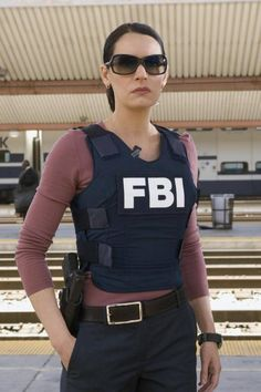 SHOULD I DATE THE FBI AGENT dangerous situation