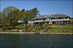 Lookout Point Lakeside Inn #Arkansas