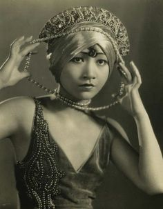 """wthellokitty: """" omgthatdress: """" Anna May Wong """" One of my all-time favorites, the first Asian superstar actress of Hollywood, Wong Liu Tsong. Louise Brooks, Josephine Baker, Divas, Old Hollywood Glamour, Vintage Hollywood, Classic Hollywood, Hollywood Style, Hollywood Icons, Hollywood Celebrities"""