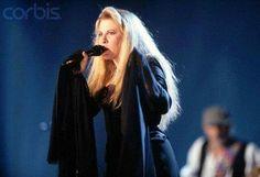 Stevie Nicks, The Dance, 1997 Stevie Nicks Lindsey Buckingham, Buckingham Nicks, John Mcvie, Rock And Roll Fantasy, Stephanie Lynn, Rock Queen, Stevie Nicks Fleetwood Mac, Look Vintage, Beautiful Voice