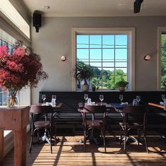 The bright blue facade of Gaskins restaurant gives way to an understated, casual-elegant interior that's perfect for the Hudson Valley.