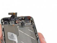 Schritt 2 - Entfernen Sie die 1,5 mm Kreutzschlitzschraube, an der Vorderseite neben der Kopfhörerbuchse.
