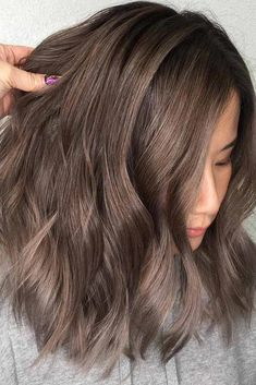 Ash-brown hair colors with their smoky and cool green blue and gray aschbraun, Ash-brown hair colors with their smoky and cool green, blue and gray Ash Brown Hair Color, Brown Hair Shades, Medium Brown Hair, Ash Hair, Light Brown Hair, Brown Colors, Cool Brown Hair, Blue Brown, Ash Green Hair