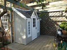A bespoke Half shed