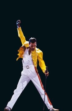 今でも最高のEntertainer Freddie Mercury このポーズに憧れた