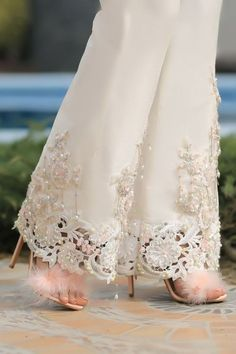 ⚜️Ana Rosa⚜️: Photo Simply WHITE Elegance Ruffle Criss-Cross Two Piece Swimsuit In Black, Summer workwear outfit ideas. Pakistani Dresses Casual, Pakistani Dress Design, Pakistani Bridal, Henna Rosa, Dress Over Pants, The Dress, Fancy Dress, Party Wear Dresses, Bridal Dresses