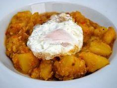 Patatas con majado de almendra, ajo y pan frito de Padules