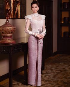 Myanmar Traditional Dress, Thai Traditional Dress, Traditional Fashion, Traditional Outfits, Dress Brukat, Thai Dress, Lace Dress, Kebaya Modern Dress, Thai Wedding Dress