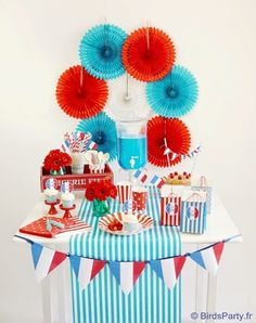 French Inspired Bastille Day Celebrations - party food, drinks, crafts and DIY decorations to inspired a french themed soiree! Adult Party Themes, Circus Theme Party, Happy Bastille Day, Parisian Party, Craft Presents, Paris Birthday Parties, July 14th, Bird Party, 4th Of July Celebration