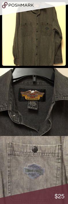 "Mens Harley Davidson Long Sleeve Shirt Harley 100 percent Cotton Gray long sleeve shirt in very good condition Chest 46"" Nice Harley-Davidson Shirts Casual Button Down Shirts"