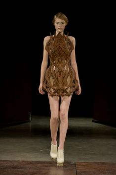 'micro' - iris van herpen - haute couture 2012 - paris
