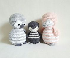 WARNING: This is a pattern to make dolls, not the finished product! The PDF pattern is available in English and German. The skill level is easy/intermediate, but don`t worry: if you are a beginner, the pattern includes detailed instructions easy to follow. To make the doll you need