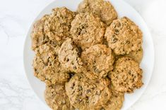 Soft-Baked Oatmeal Raisin Cookies (vegan, oil-free) use this for pumpkin pie crust but after done cooking add c of apple sauce then press into pie plate. Healthy Cookie Recipes, Healthy Muffins, Healthy Cookies, Cookies Vegan, Vegan Recipes Easy, Whole Food Recipes, Oat Muffins, Amish Recipes, Dutch Recipes