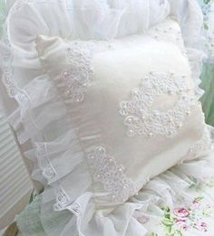 Self-Conscious New Luxury Lace Crochet Knitting Patterns Book For Tablecloth And Lace Cushion Golden Lace Golden Lace Ami Delicious In Taste Office & School Supplies
