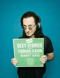 Rush Frontman Geddy Lee Featured In 'Heeb' Magazine Great Bands, Cool Bands, Rush Geddy Lee, Rush Concert, Neil Peart, Rock News, Greatest Rock Bands, Big Time Rush, Rock Groups