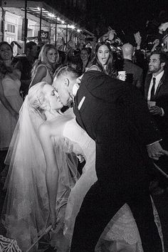 Vampire Diaries star Candice Accola & The Fray's Joe Kind wed in New Orleans. She uploaded this pic of her big day on her Instagram page.