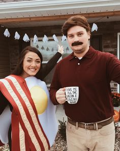 ron swanson & a brunette and breakfast foods // parks and rec halloween costume.