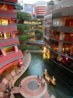 Canal City Hakata - Fukuoka - Japan Travel - Japan Tourism Guide and Travel Map Japan Tourism, Japan Travel, Japan Trip, Tokyo Trip, Asia Travel, Fukuoka Japan, Kyoto Japan, Okinawa Japan, Japan Beach