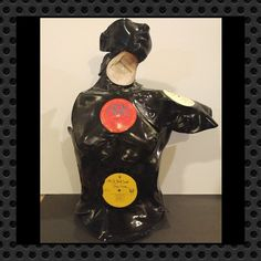 Record Decor, Vinyl Record Crafts, Vinyl Record Display, Vinyl Music, Vinyl Art, Vinyl Records, Music Crafts, Aesthetic Art, Making Out