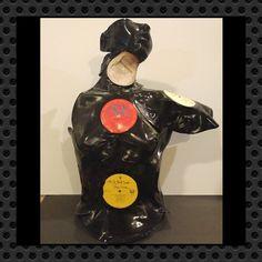 """Venus di Vinyl"" recycled record sculpture from revinylizedrecordart.net"