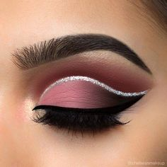 """Dusty rose cut crease  Brows: @mywunderbrow • 1-step brow gel in """"jet black"""" Eyes: @hudabeauty • textured eyeshadow palette rose gold edition (bossy in the crease, shy, coco, and black truffle on the lid) Glitter: @urbandecaycosmetics • heavy metal glitter liner in """"glamrock"""" Liner: @anastasiabeverlyhills • waterproof cream colour in """"jet""""  Lashes: @luxylash • """"homegirl"""" lashes Used @morphebrushes to create this eye look  #makeup #instamakeup #cosmetic #cosmetics #mua #fashion #eyeshado..."""