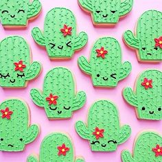 We're a succa for these cactus cookies from @vickiee_yo #delicious #cisfocookie