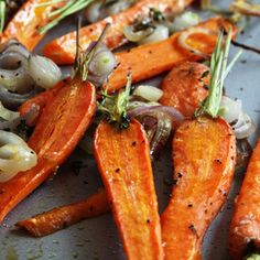 Roasted Carrots with Shallots & Thyme  4 servings: 2 # small- to medium carrots 1 cup sliced shallots 2 ts fresh thyme 3 T extra-virgin olive oil    425° F. Place rack in center of oven. Peel carrots if desired and trim green top, leaving about 1/2–inch. Cut larger carrots in half lengthwise and place in a rimmed baking sheet. Add shallots and thyme; drizzle with oil and stir to coat. Season with salt and pepper. Roast for about 30 to 35 minutes or until tender and lightly browned.