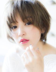 小顔になるショートSE(192) | ヘアカタログ・髪型・ヘアスタイル|AFLOAT(アフロート)表参道・銀座・名古屋の美容室・美容院