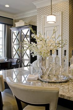 elegant...gorgeous kitchen.