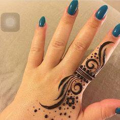 Henna Tattoo Designs Simple, Latest Henna Designs, Mehndi Designs Book, Finger Henna Designs, Mehndi Designs 2018, Mehndi Designs For Beginners, Modern Mehndi Designs, Mehndi Designs For Girls, Mehndi Design Photos