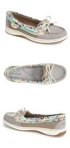 Loving these Sperry Top Sider Angelfish boat shoes http://rstyle.me/n/v33xznyg6