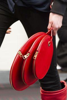 cf90ebff9cb5 258 Stunningly Beautiful Bags - Cosmopolitan.com ミーバッグ, レッドファッション, ファッション  バッグ,