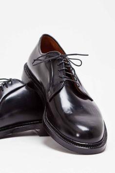 Alden - Plain Toe Cordovan Black   TRÈS BIEN