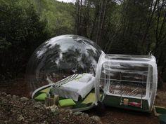 Durmiendo en una burbuja trasparente en medio del bosque (Marsella)