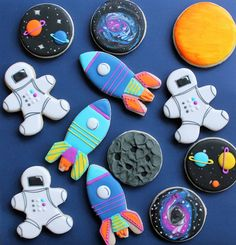 SPACE food 🚀 Every little astronaut needs some sugar to get them to the MOON 🌚🌙 via 2nd Birthday Boys, 2nd Birthday Party Themes, Boy Birthday Parties, Birthday Ideas, Space Baby Shower, Astronaut Party, Outer Space Party, Sugar Cookie Royal Icing, Moon Party