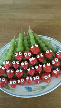 cute kid snacks with fruit! little caterpillars!