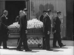 8/08/1962 L'enterrement de Marilyn - Divine Marilyn Monroe